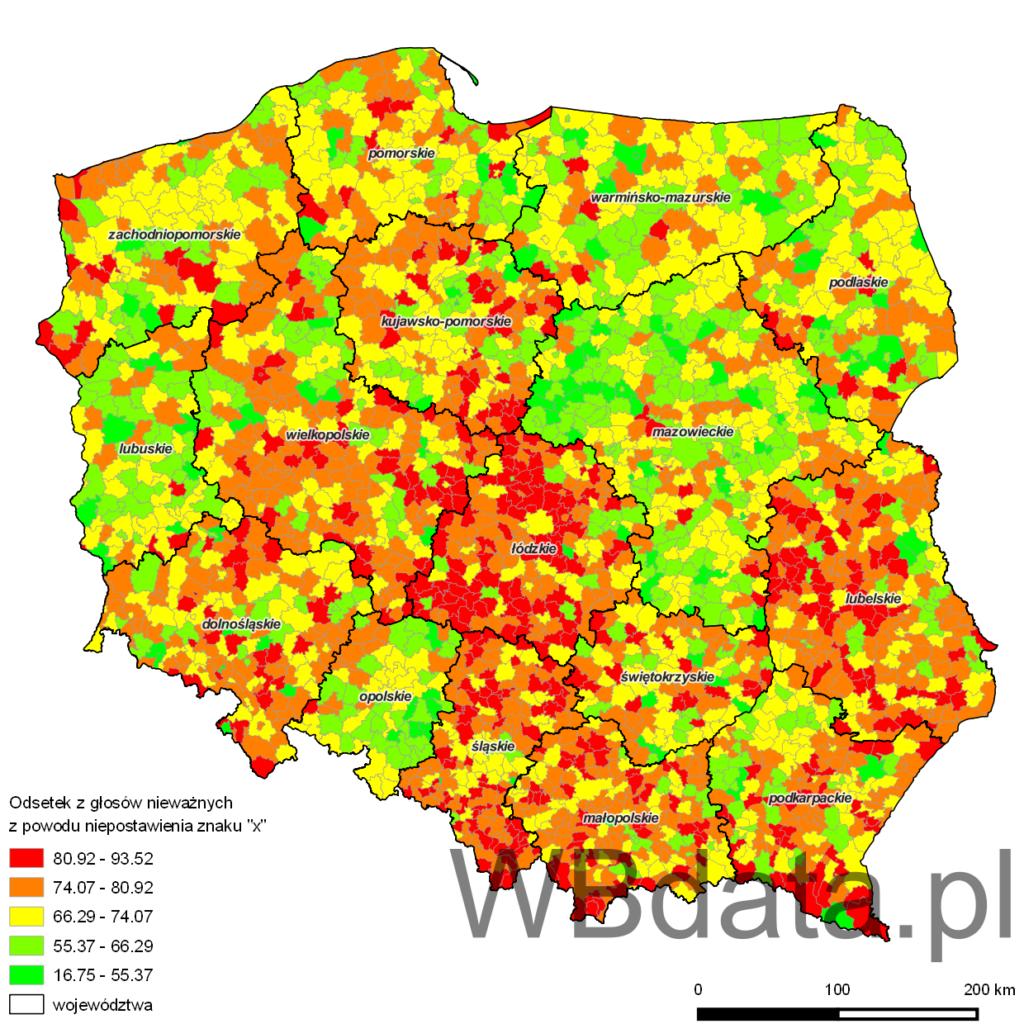 """Mapa przedstawia odsetek z głosów nieważnych z powodu niepostawienia znaku """"x"""" w wyborach samorządowych do sejmików województw w 2010 roku"""