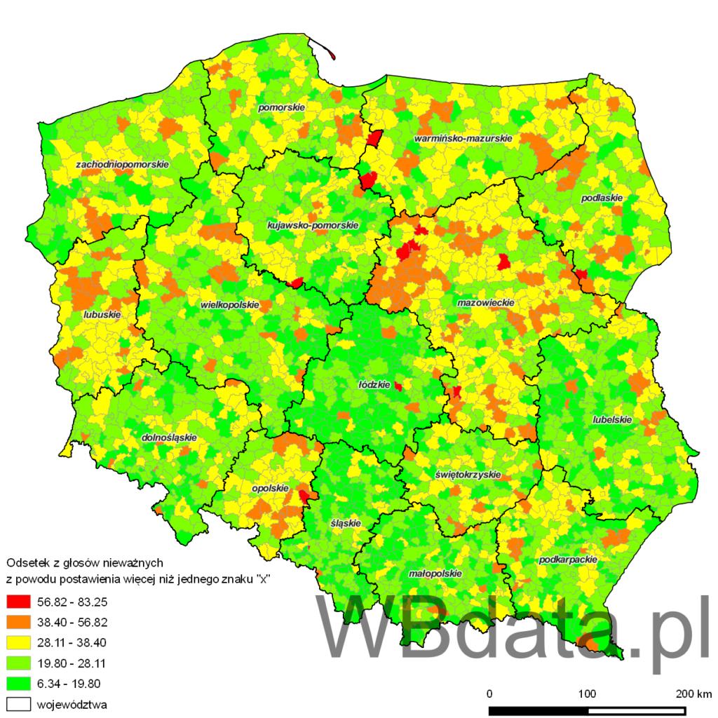"""Mapa przedstawia odsetek z głosów nieważnych z powodu postawienia więcej niż jednego znaku """"x"""" w wyborach samorządowych do sejmików województw w 2010 roku"""